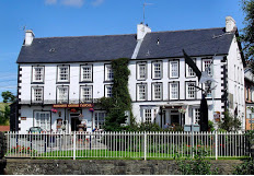Neuadd Arms Hotel, loony H/Q and centre of all things Green Events